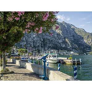 Artland Poster, Leinwandbild »Gardasee Hafen Italien Landschaften Foto«
