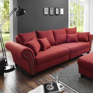 Big Sofa in kirschrotem Webstoff, Polsterung aus Vollschaum auf Federkern mit Wellenunterfederung, Füße kolonialfarbig, Maße:  B/H/T ca. 304/89/123 cm