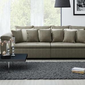 Big Sofa mit einem braun-grauen feinen Webstoff bezogen, 4 Rückenkissen und 6 Zierkissen in braun, 4 Kissen in beige, Maße: B/H/T ca. 310/68/130 cm