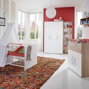 4-tlg. Babyzimmer in Eiche-Sonoma NB, Fronten in weiß, Kleiderschrank B: 130 cm, Wickelkommode B: 87 cm, Babybett 70 x 140 cm