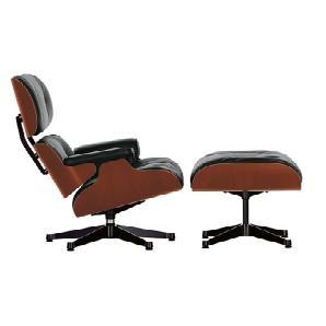 Vitra Lounge Chair Schwarz, Designer Charles & Ray Eames, 84x84x85-91 cm