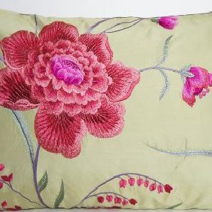 Zierkissen Rosa Blumen Kissen Rose Osborne & Little Garten Eden Kissenhülle bestickter Seide 50 x 30 cm