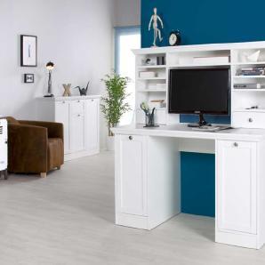 Schreibtisch weiß mit Aufsatz, 2 Türen und 2 Einlegeböden, Aufsatz: 2 Schubkästen, 6 schmale und 1 breiter Einlegeboden,Maße:B/H/T ca. 136/137,5/63 cm
