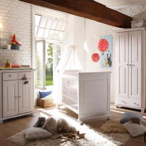 Babyzimmer 4-tlg. in weiß Wachs, massiv, Kleiderschrank B: 96 cm, Wickelkommode B: 96 cm,  Babybett Liegefläche 70 x 140 cm