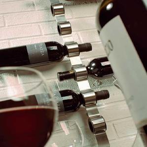 Weinflaschen Wandhalter Cioso Blomus Silber, Designer Flöz Industrie Design, 74.5x3.5x7 cm