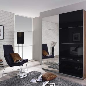 2-trg. Schwebetürenschrank in Eiche Stirling-Nb., Front Spiegel/Glas schwarz mit 2 Einlegeböden und 2 Kleiderstangen, Maße: B/H/T ca. 181/197/61 cm